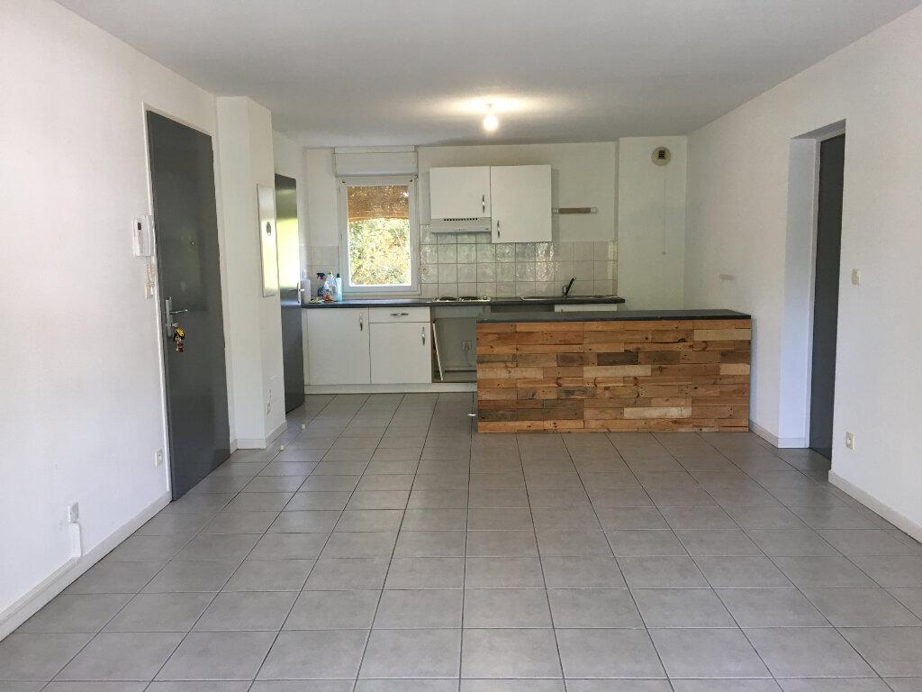 Appartement à louer 3 63.2m2 à Dax vignette-3