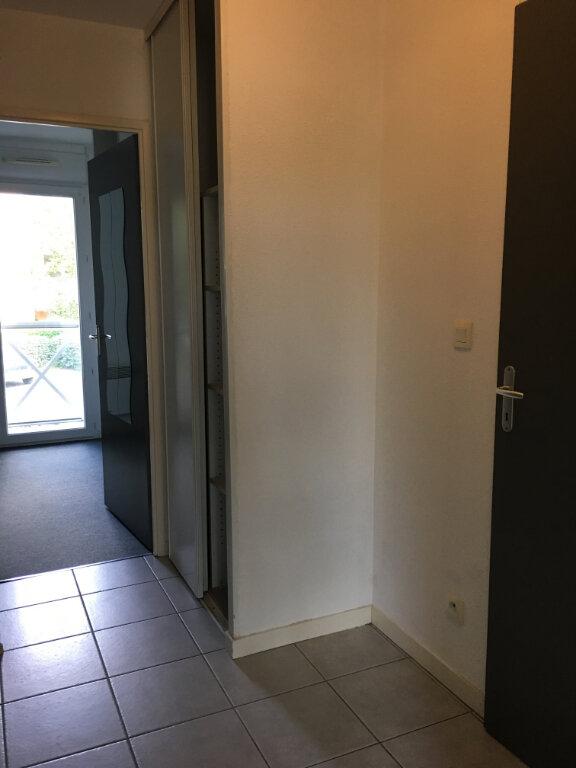 Appartement à louer 3 63.2m2 à Dax vignette-10