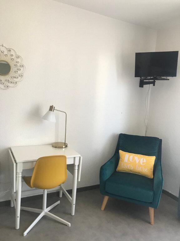 Appartement à louer 1 20.64m2 à Dax vignette-2