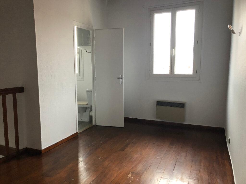 Appartement à louer 1 28.78m2 à Dax vignette-2