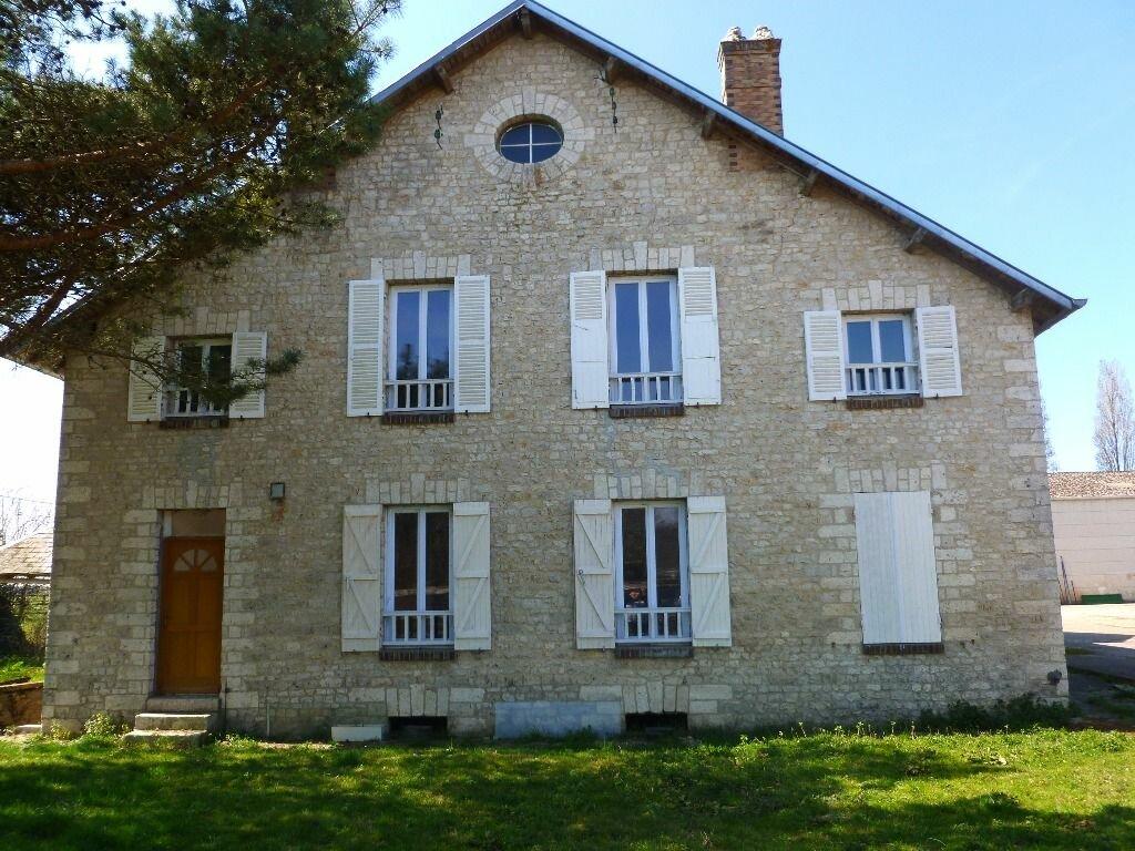 Maison à vendre 6 110m2 à Nemours vignette-1