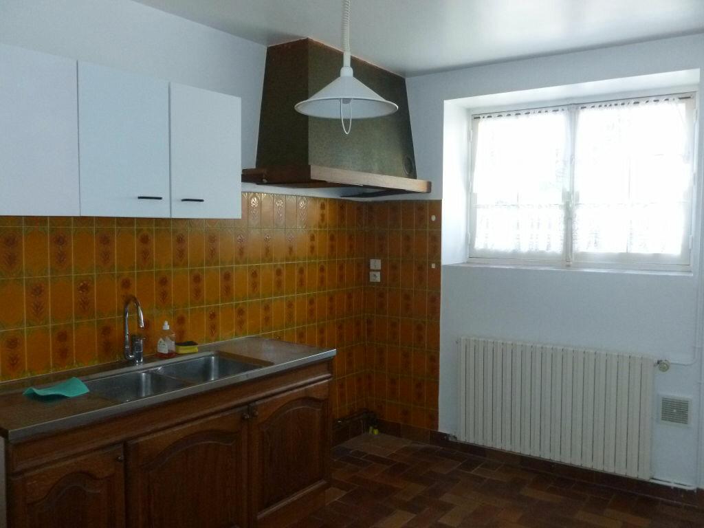 Maison à louer 4 115.97m2 à Montcourt-Fromonville vignette-5