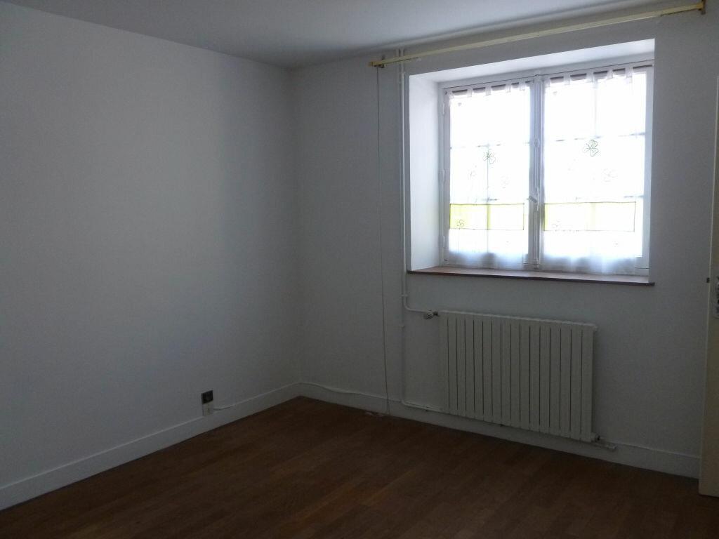 Maison à louer 4 115.97m2 à Montcourt-Fromonville vignette-6