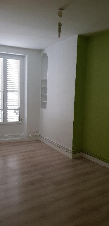 Appartement à louer 3 59.28m2 à Nemours vignette-5