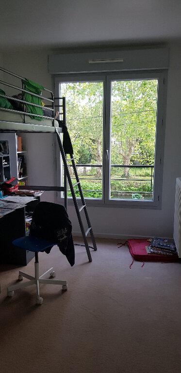 Appartement à louer 4 74.47m2 à Nemours vignette-4