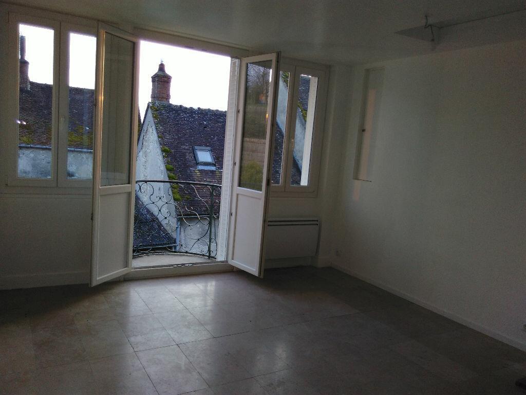 Appartement à louer 2 42.15m2 à Montigny-sur-Loing vignette-1