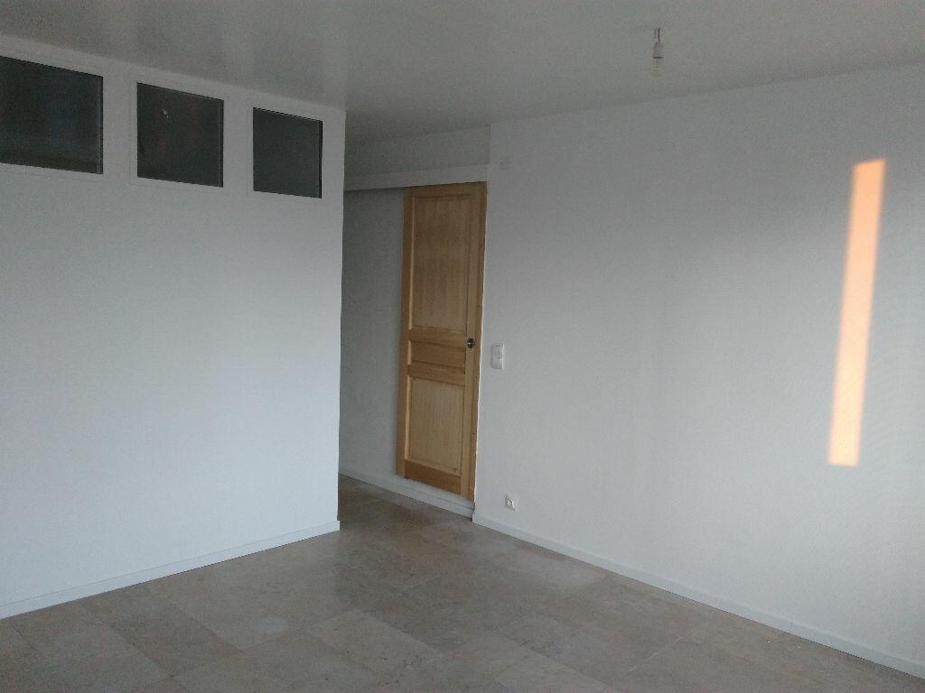 Appartement à louer 2 42.15m2 à Montigny-sur-Loing vignette-2