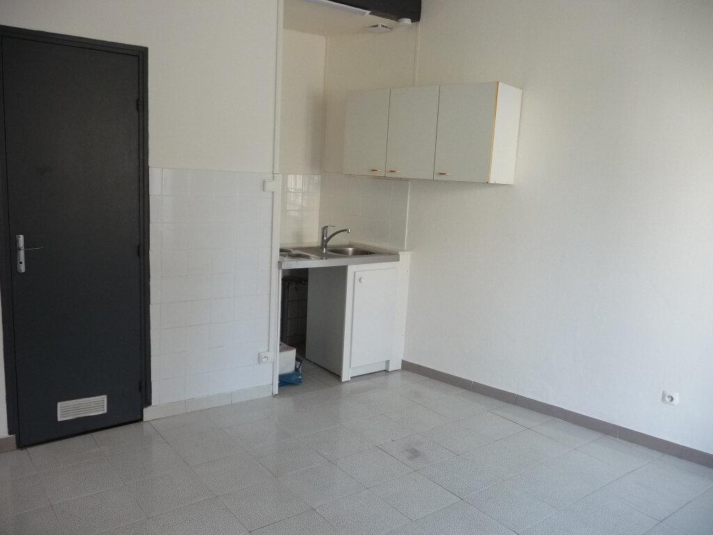 Appartement à louer 1 16.43m2 à Nemours vignette-3