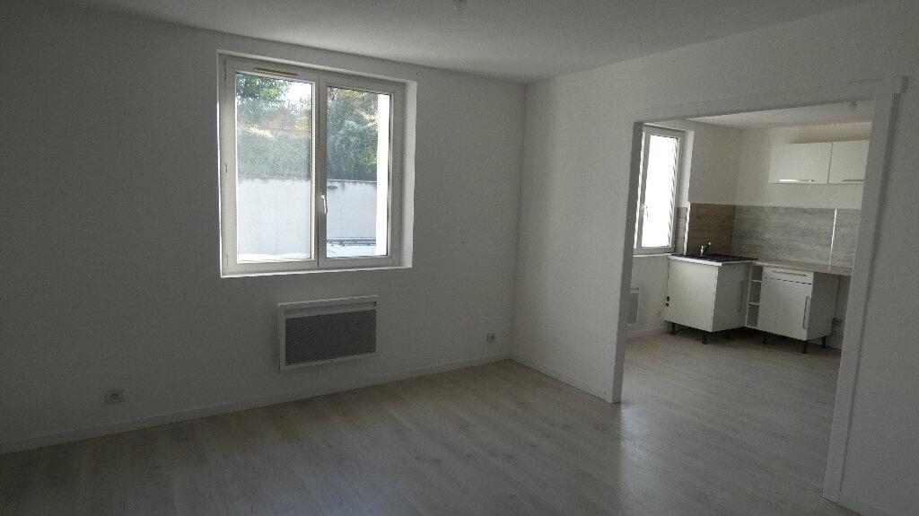 Appartement à louer 3 45.65m2 à Nemours vignette-1