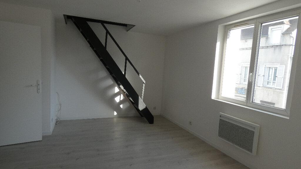 Appartement à louer 3 45.65m2 à Nemours vignette-2
