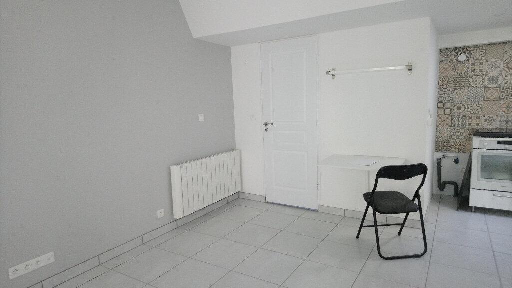 Appartement à louer 1 24m2 à Nemours vignette-2