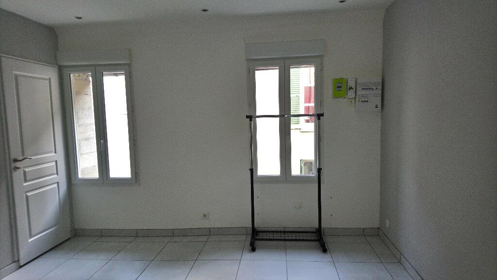 Appartement à louer 1 24m2 à Nemours vignette-3