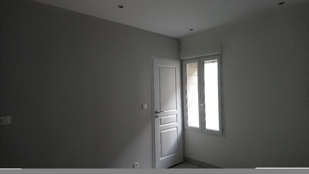 Appartement à louer 1 24m2 à Nemours vignette-4