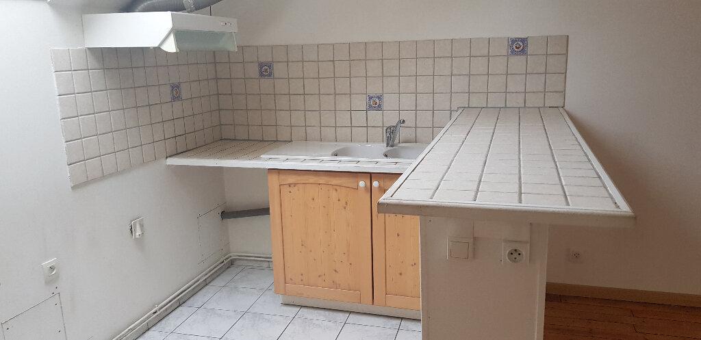 Appartement à louer 2 50m2 à Souppes-sur-Loing vignette-2