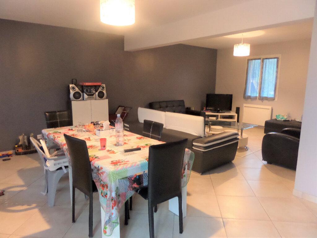 Maison à louer 6 140m2 à Poligny vignette-5