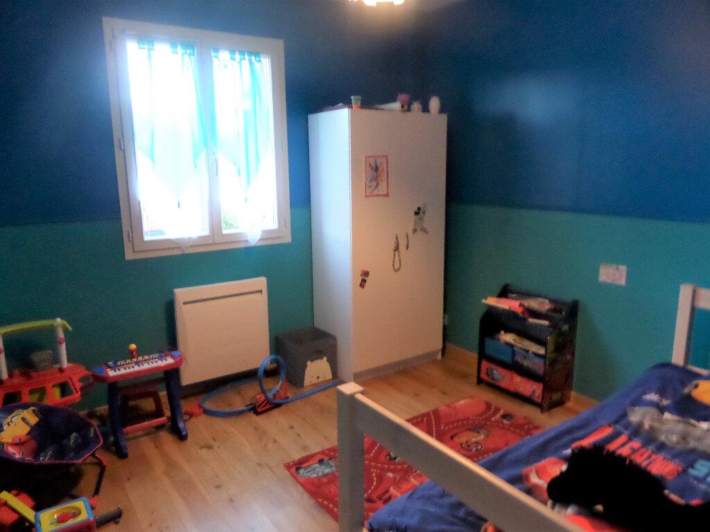 Maison à louer 6 140m2 à Poligny vignette-8