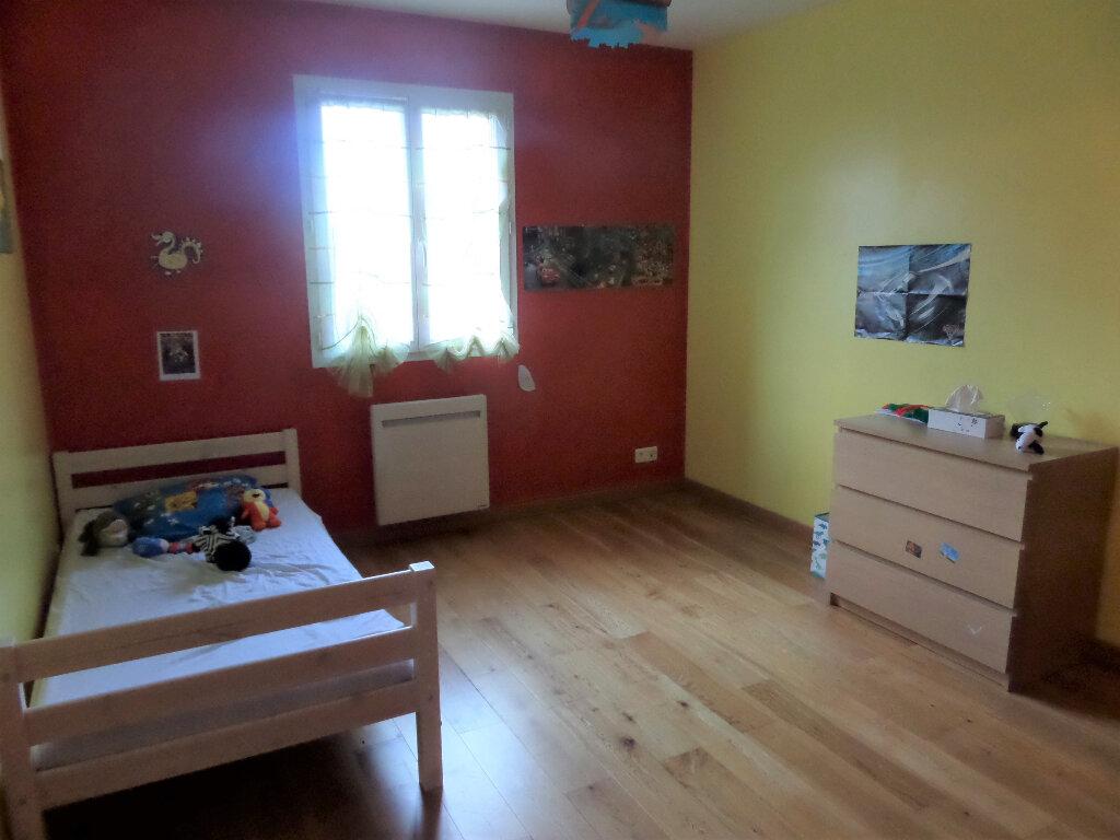 Maison à louer 6 140m2 à Poligny vignette-9