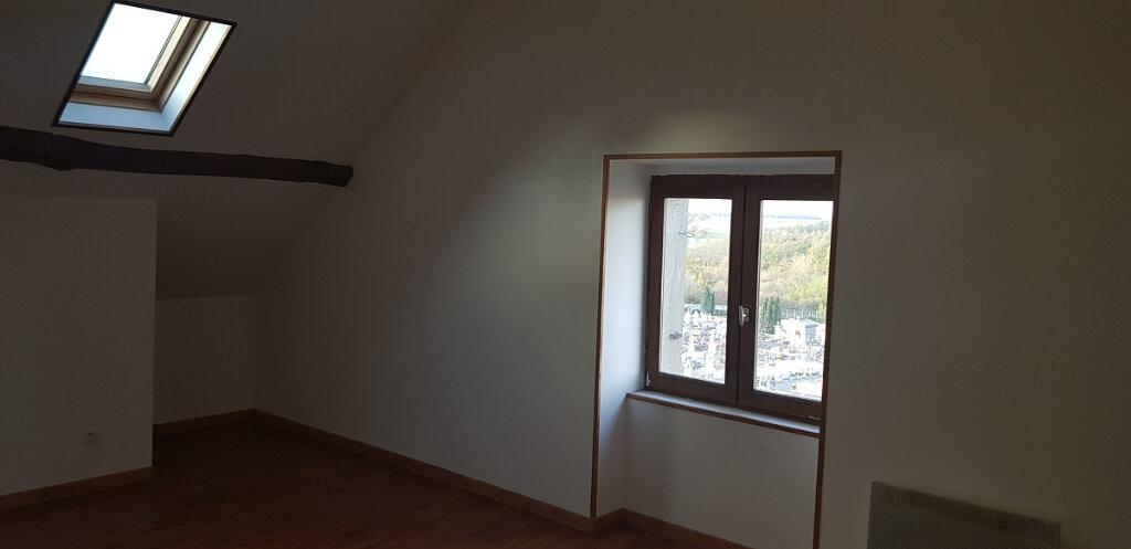 Appartement à louer 3 76.14m2 à Château-Landon vignette-1