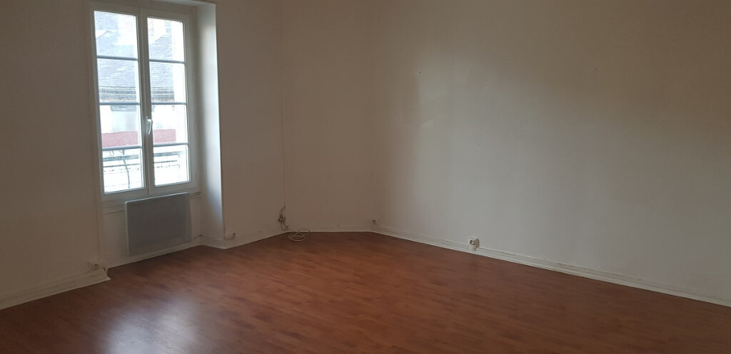 Appartement à louer 3 76.14m2 à Château-Landon vignette-3