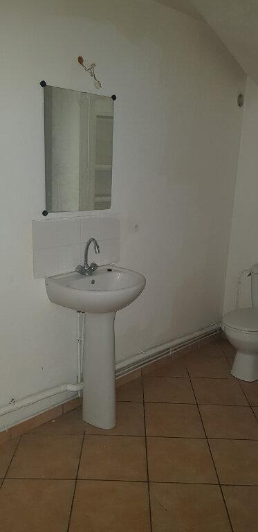 Appartement à louer 3 76.14m2 à Château-Landon vignette-7