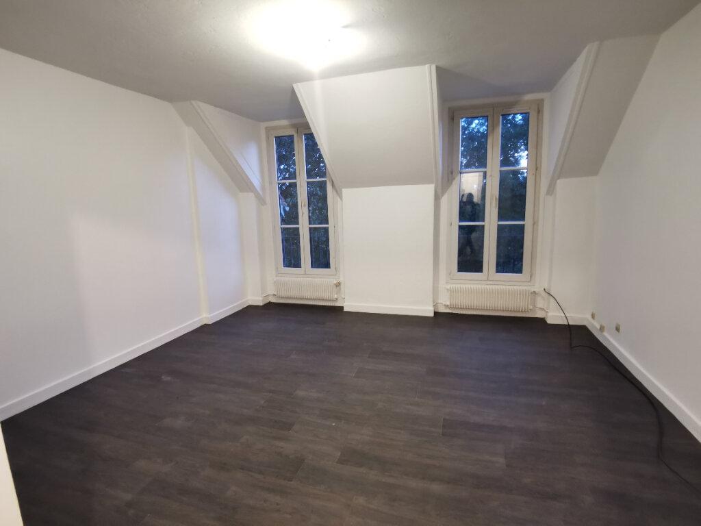 Appartement à vendre 4 67m2 à Nemours vignette-1