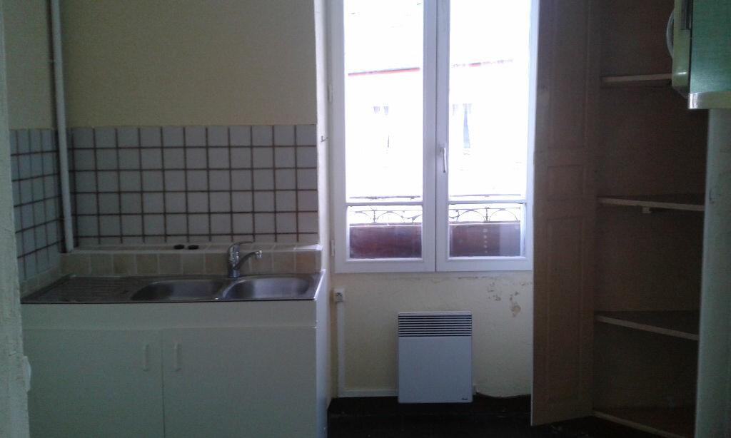 Appartement à louer 4 74m2 à Château-Landon vignette-2