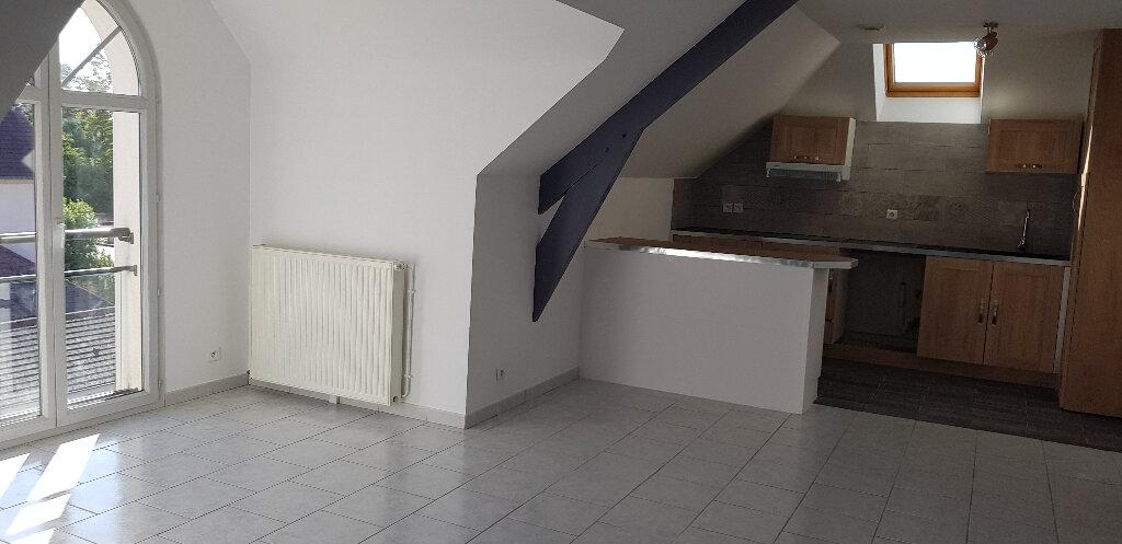 Appartement à louer 3 61.74m2 à Sens vignette-2