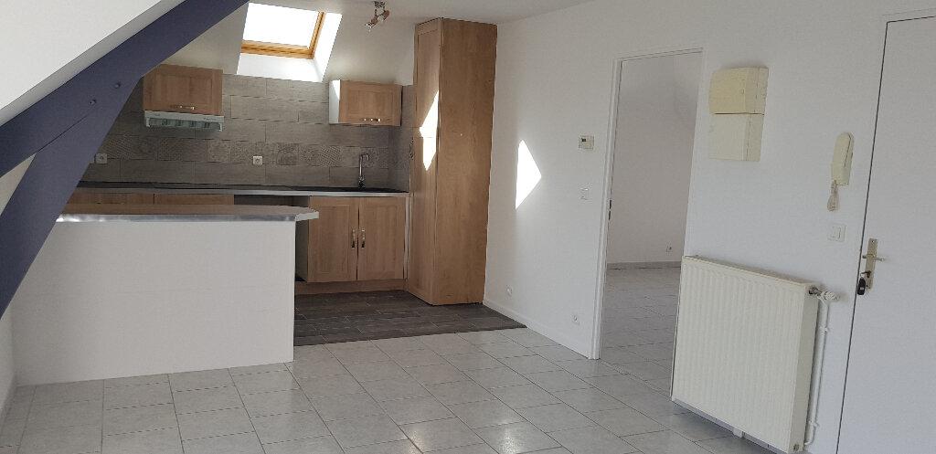Appartement à louer 3 61.74m2 à Sens vignette-3