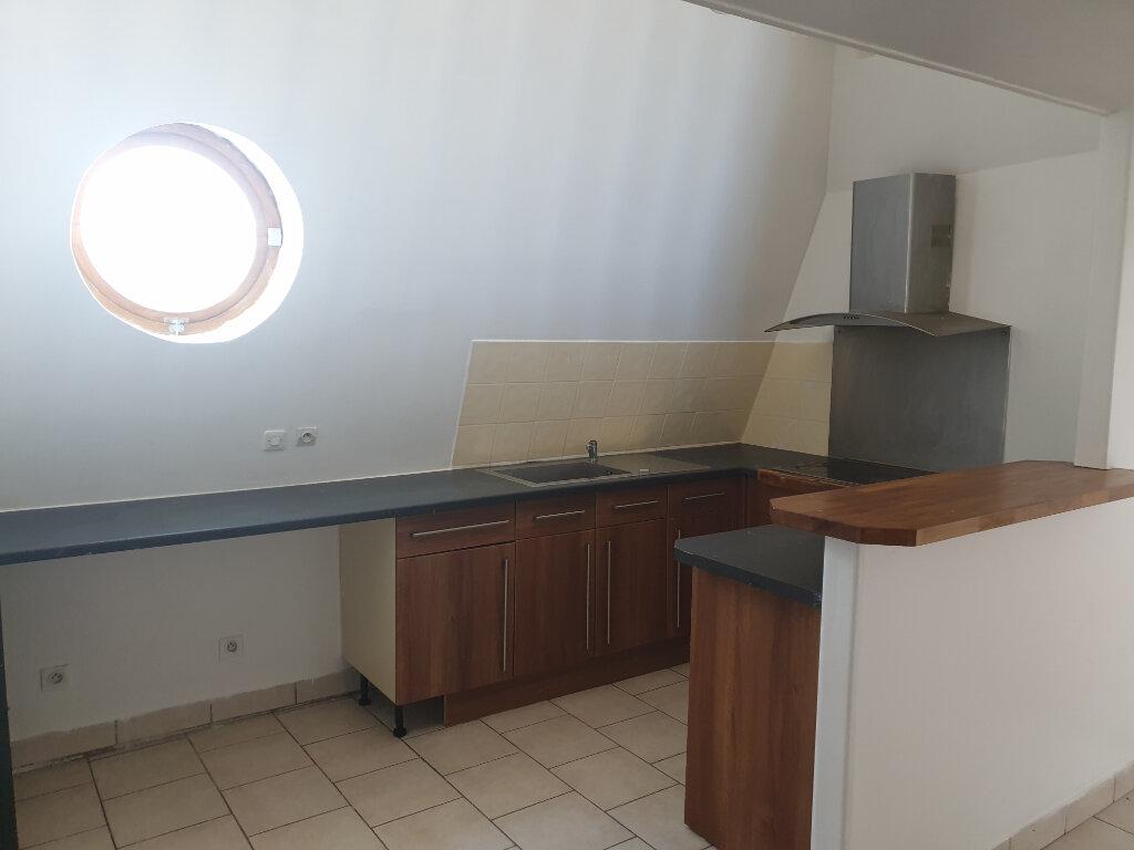Appartement à louer 2 37m2 à Nemours vignette-3