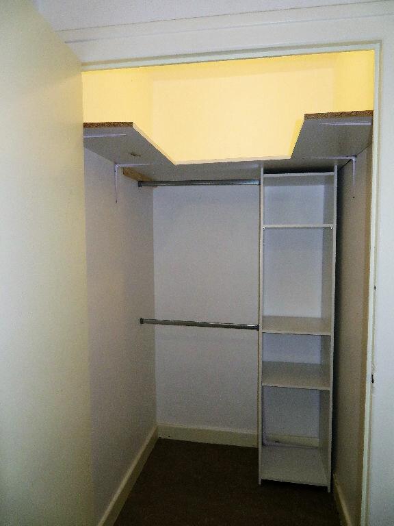 Appartement à louer 3 60m2 à Lyon 9 vignette-6