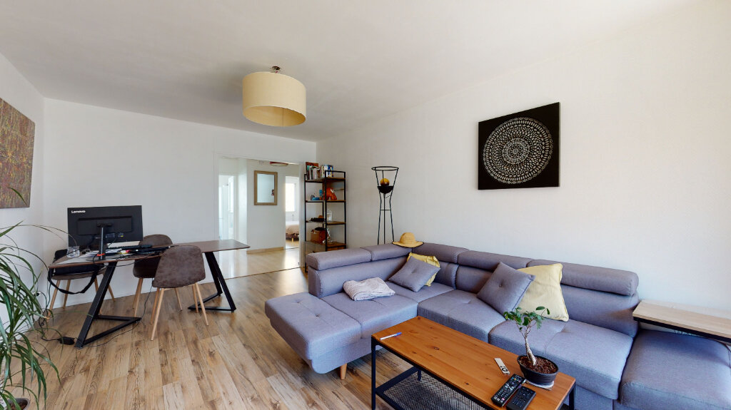 Appartement à louer 2 60m2 à Lyon 6 vignette-2