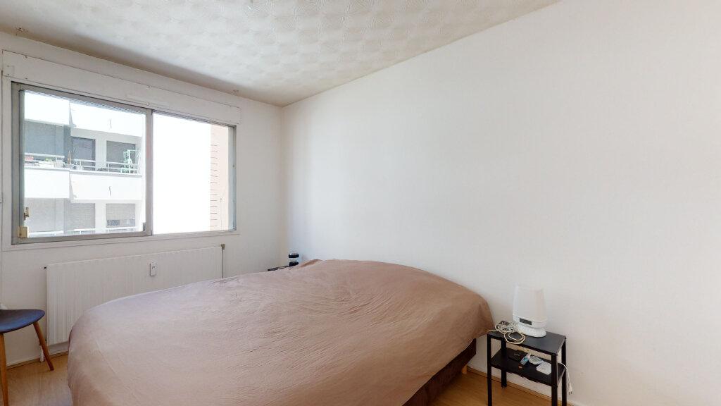 Appartement à louer 2 60m2 à Lyon 6 vignette-6