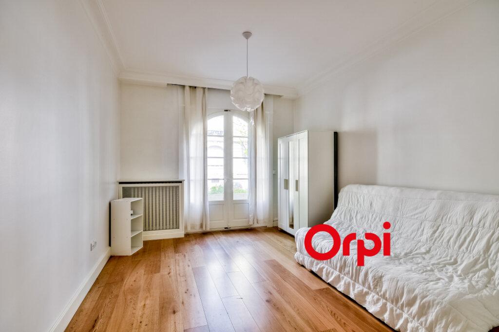 Appartement à louer 3 95.84m2 à Lyon 6 vignette-6