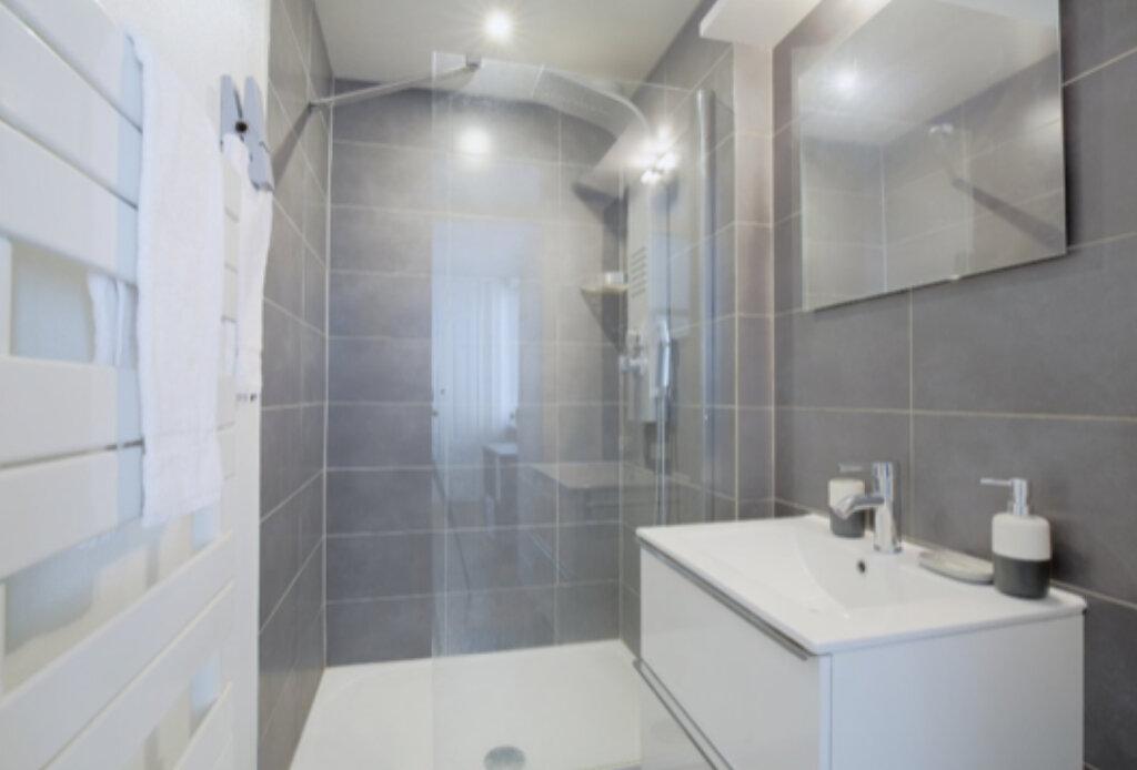 Appartement à louer 2 34.45m2 à Lyon 6 vignette-4