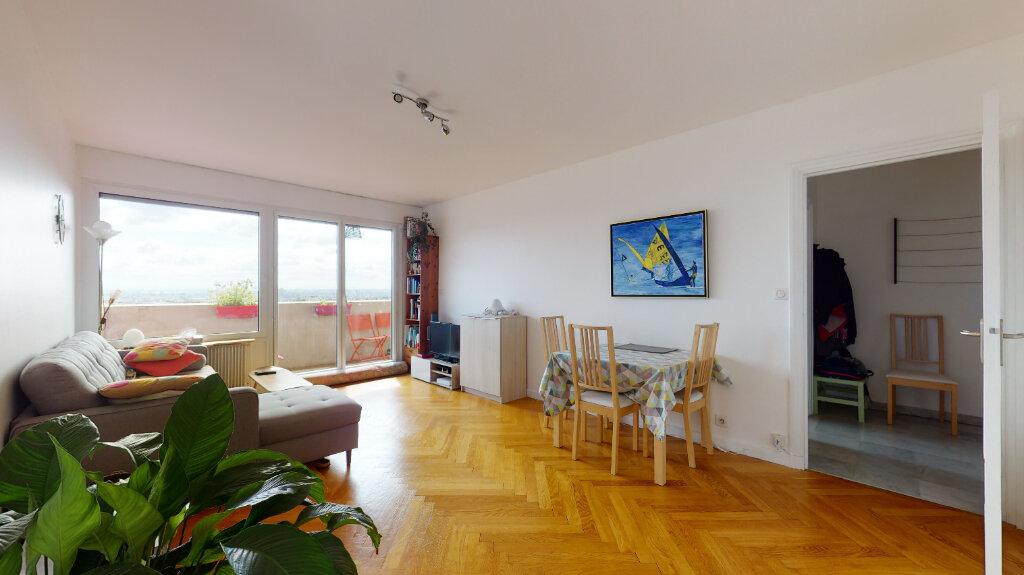 Appartement à louer 2 59.96m2 à Lyon 6 vignette-2