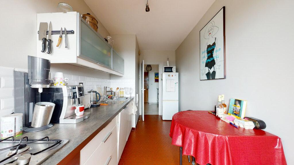Appartement à louer 2 59.96m2 à Lyon 6 vignette-4