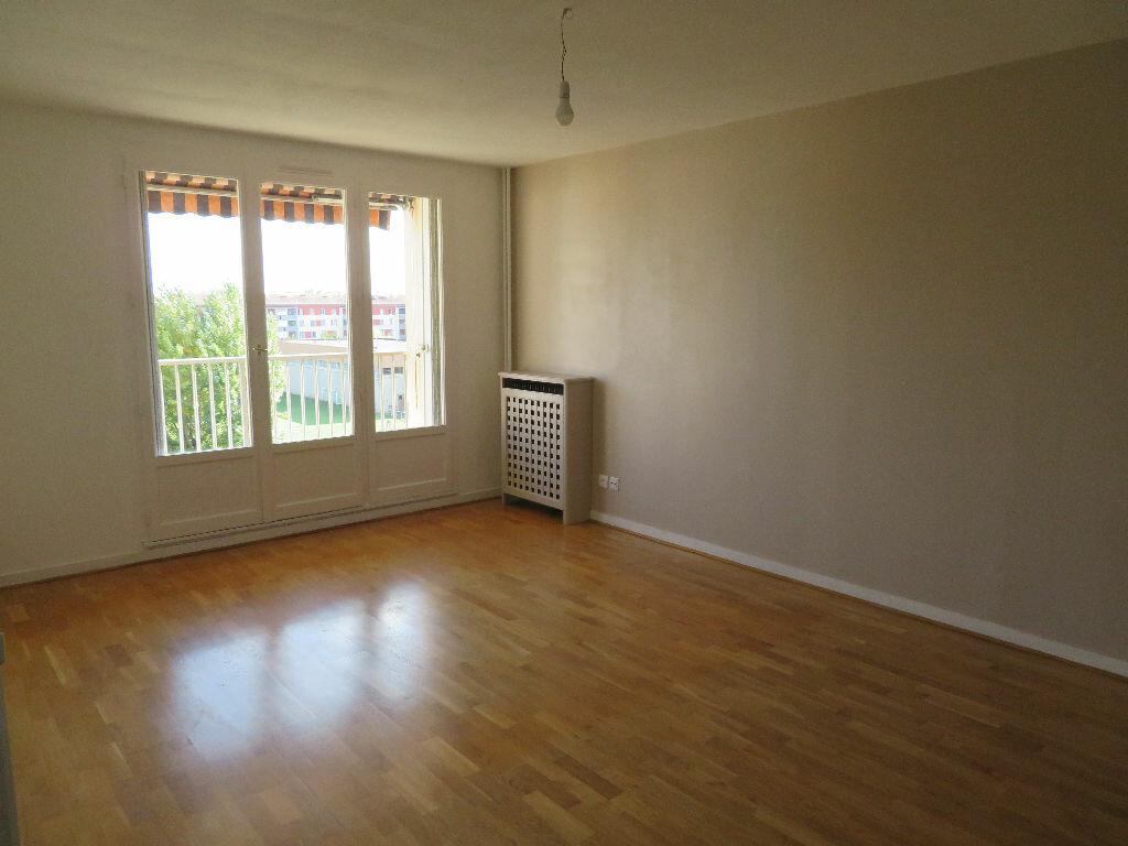 Appartement à louer 2 51.84m2 à Villeurbanne vignette-1