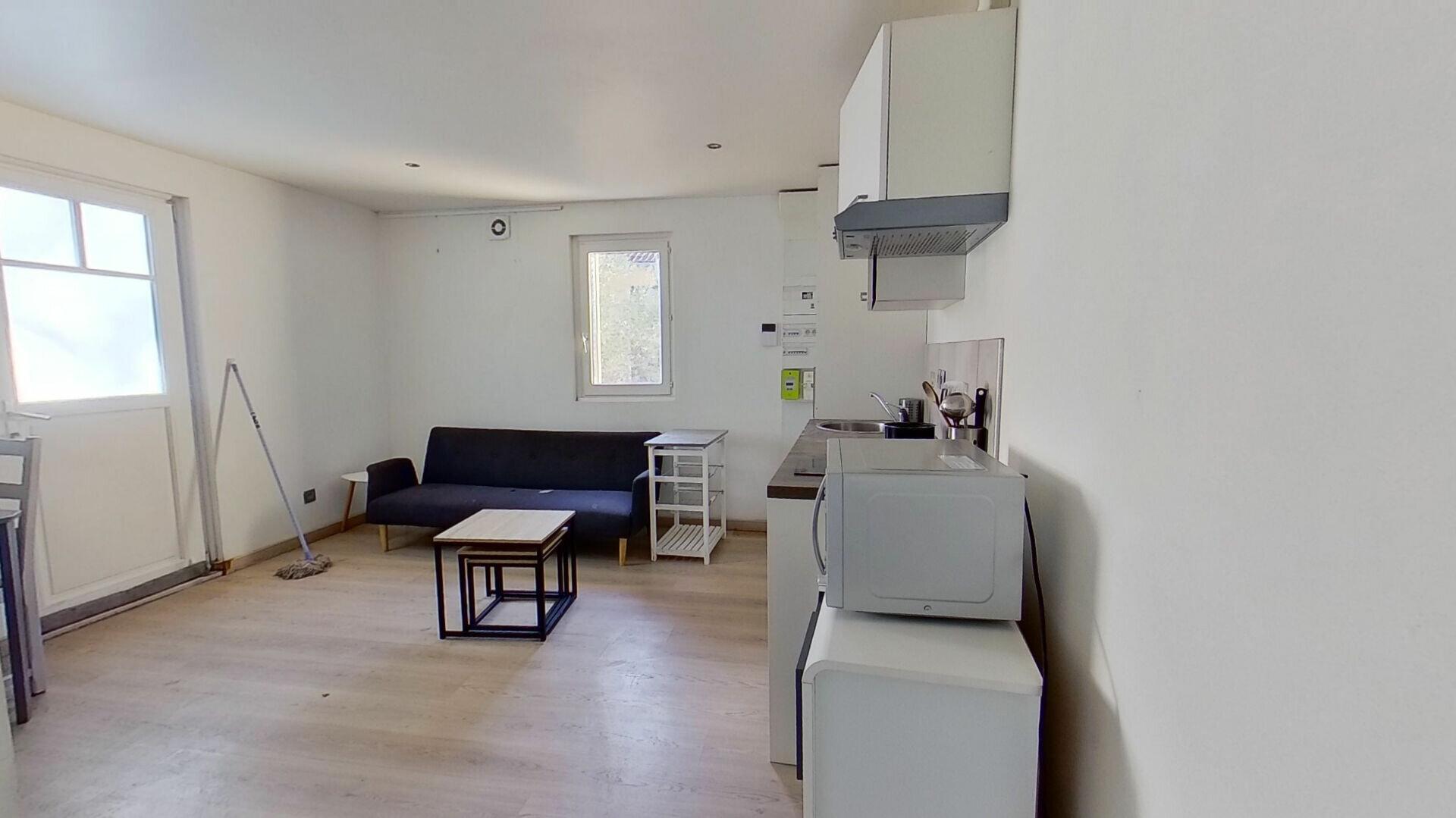 Appartement à louer 2 31.3m2 à Caluire-et-Cuire vignette-2