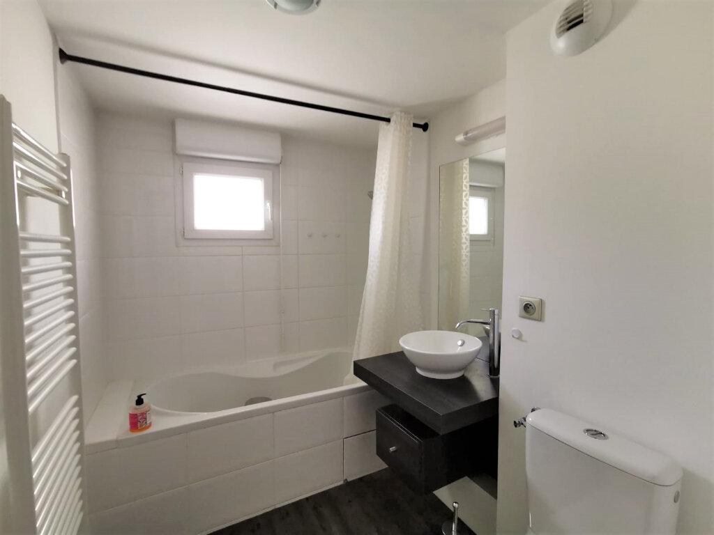 Appartement à louer 3 48.81m2 à La Mulatière vignette-5