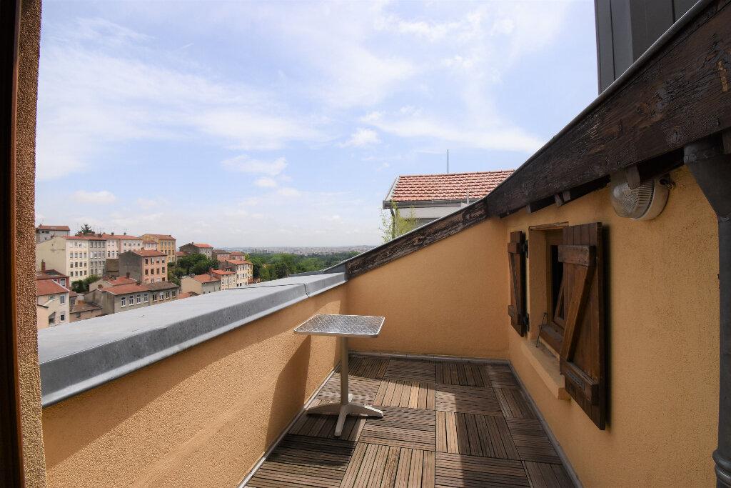 Appartement à louer 2 46m2 à Lyon 4 vignette-3