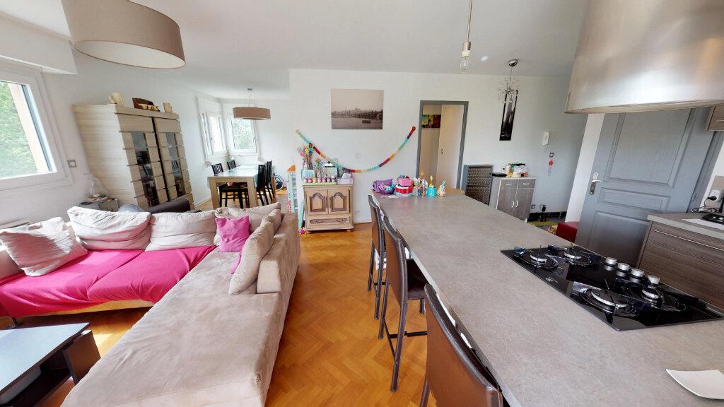 Appartement à louer 5 99.64m2 à Champagne-au-Mont-d'Or vignette-1