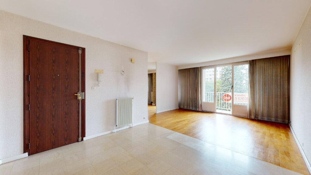 Appartement à vendre 7 146m2 à Villeurbanne vignette-1