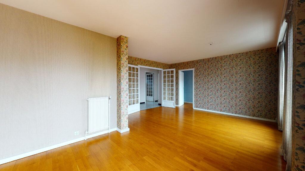 Appartement à vendre 7 146m2 à Villeurbanne vignette-3