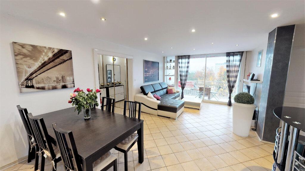Appartement à vendre 3 75m2 à Champagne-au-Mont-d'Or vignette-1