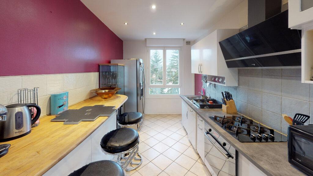Appartement à vendre 3 75m2 à Champagne-au-Mont-d'Or vignette-3