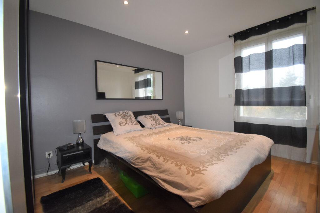 Appartement à vendre 3 75m2 à Champagne-au-Mont-d'Or vignette-4