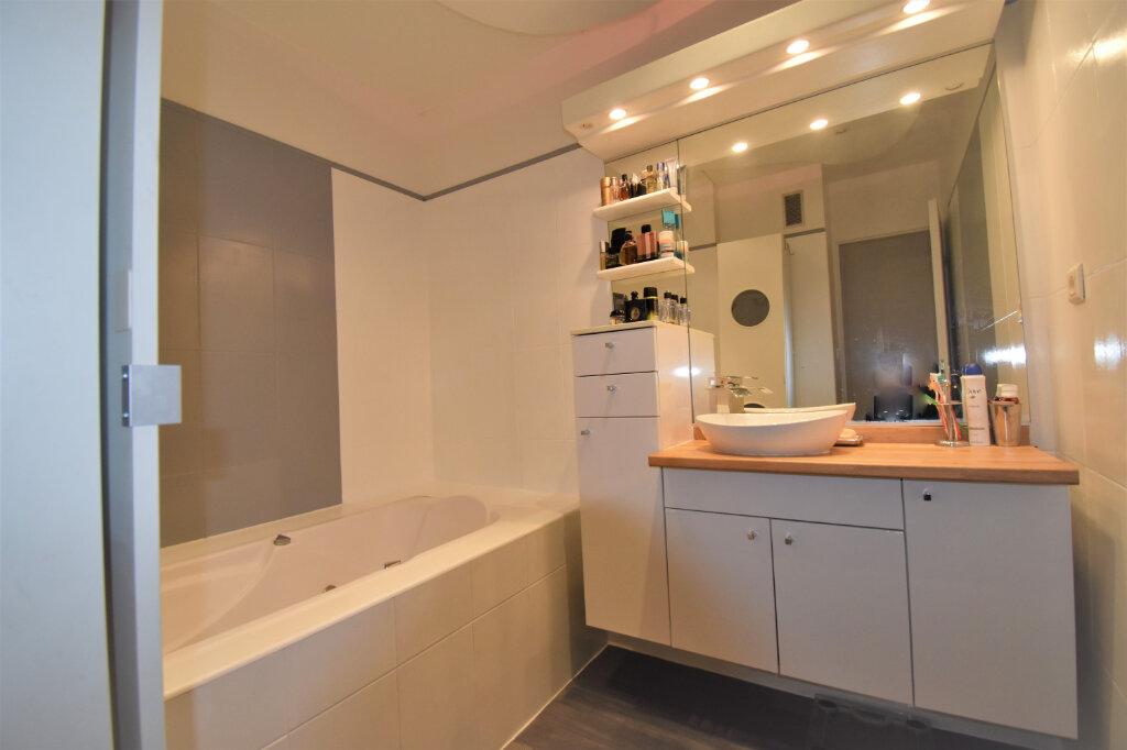 Appartement à vendre 3 75m2 à Champagne-au-Mont-d'Or vignette-5