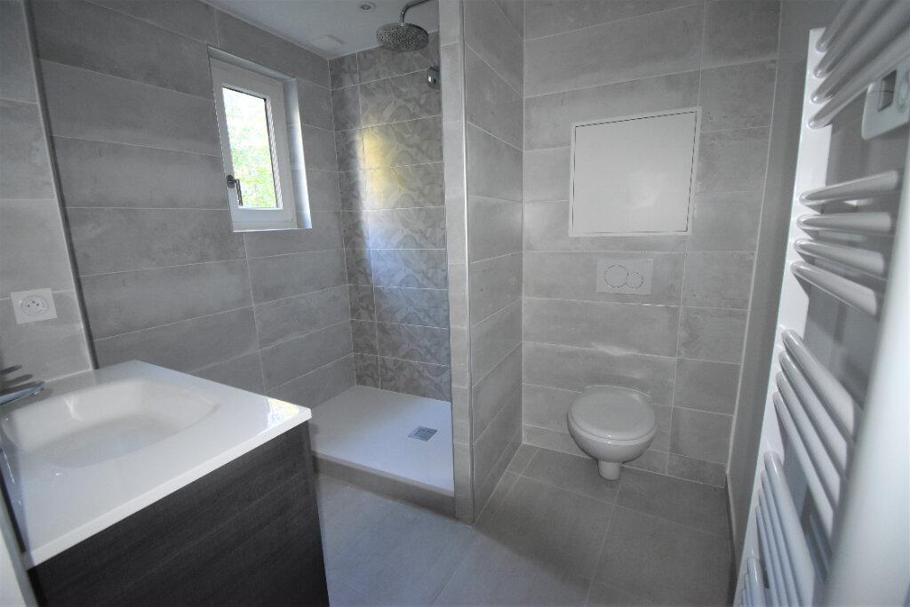 Appartement à louer 2 55m2 à Champagne-au-Mont-d'Or vignette-2