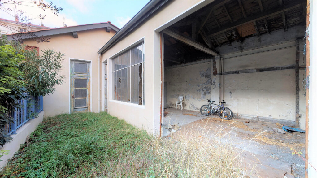 Appartement à vendre 5 110m2 à Villeurbanne vignette-1