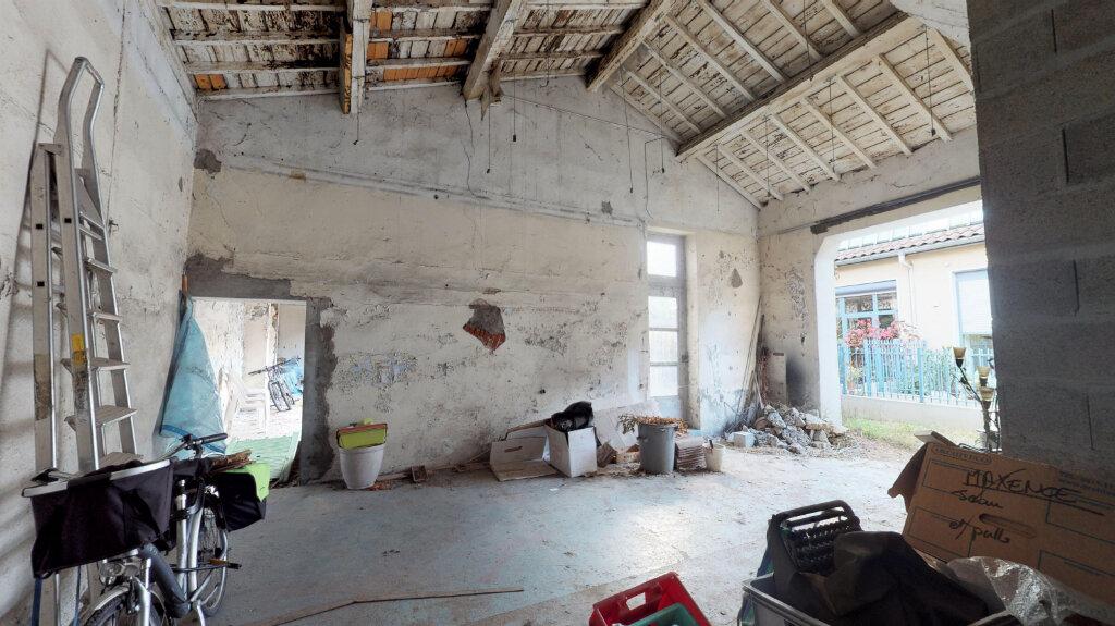 Appartement à vendre 5 110m2 à Villeurbanne vignette-3